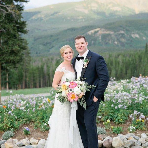 Mariage d'été mémorable au pittoresque Peak 10 Mile Station