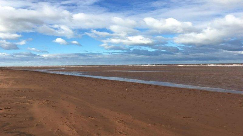 Lorsque la marée est basse, vous pouvez marcher des kilomètres! Des vues magnifiques!