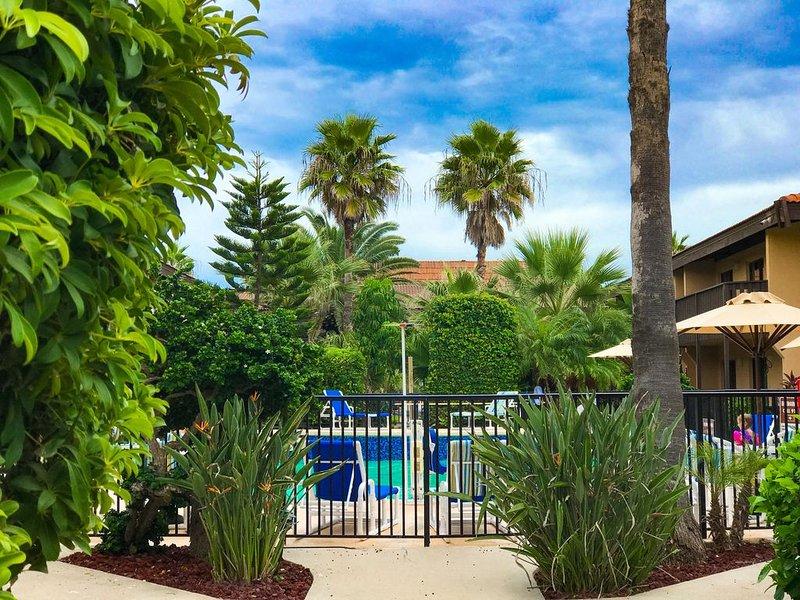 Special Pricing!   Beautiful 2 Bedroom / 2 Bath. Steps from the Gulf! 1st Floor!, alquiler de vacaciones en Isla del Padre Sur