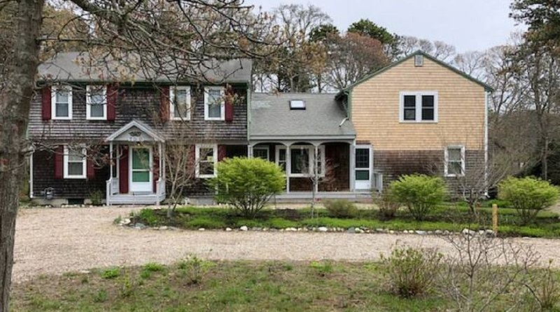 Huge Renovated Cape House with room for the Whole Family!, vacation rental in Eastham