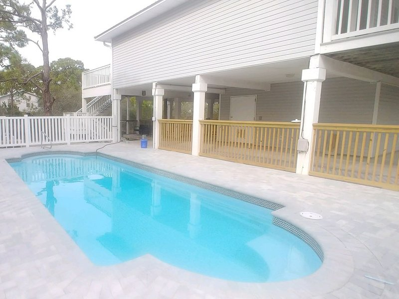 Beach Please with *Private Pool*  is a Short Walk or Bike Ride to the beach, location de vacances à St. George Island