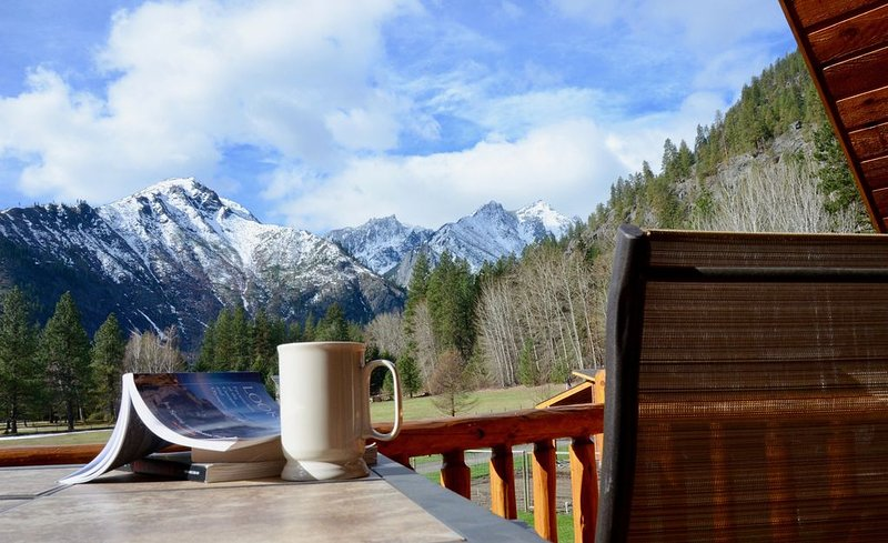 Country Living yet only 2 Miles from town and close to many outdoor adventures, vacation rental in Leavenworth