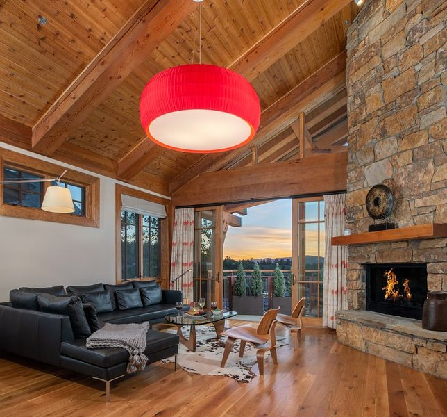 Ski-in, Ski-out Penthouse Condominum, located in the heart of Teton Village, alquiler de vacaciones en Teton Village