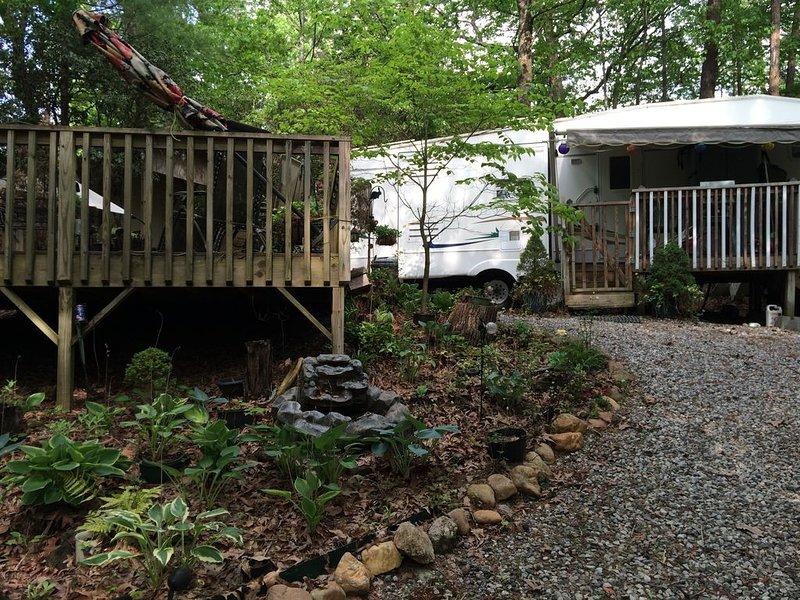 Michelle's Mountain RV Retreat, casa vacanza a Cleveland
