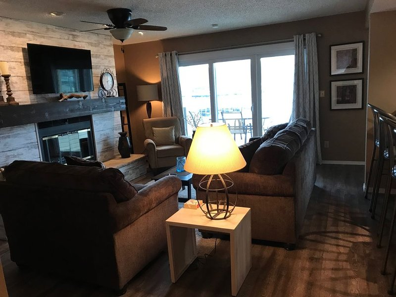 Ledges - 3bed/3bath at Ledges with BOAT SLIP INCLUDED, vacation rental in Osage Beach