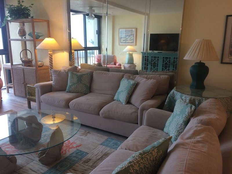 Ocean front condo in Premier complex at Wrightsville Beach, holiday rental in Wrightsville Beach