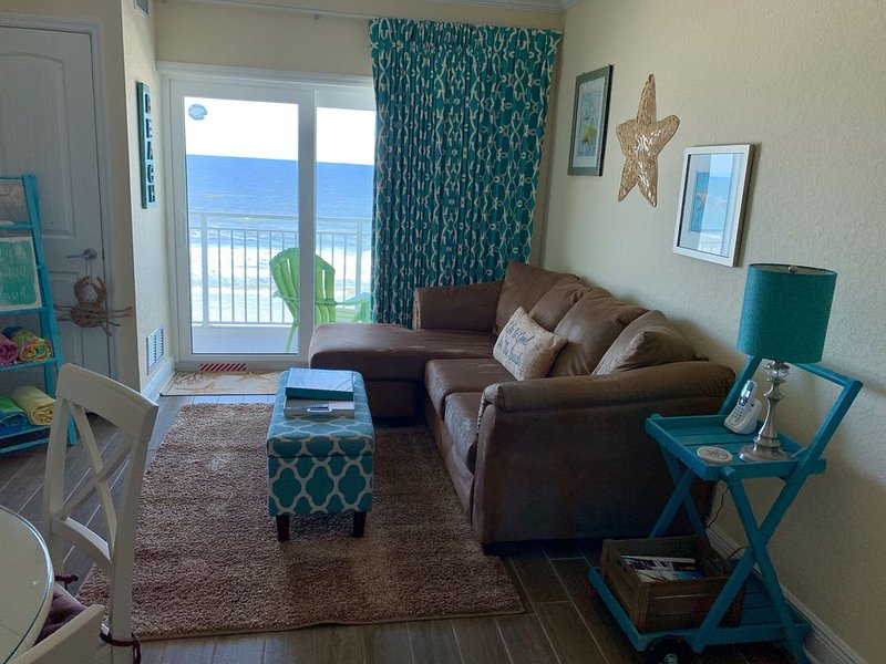 Beautiful Penthouse Oceanfront Condo. Use calendar for availability and rates., vacation rental in New Smyrna Beach