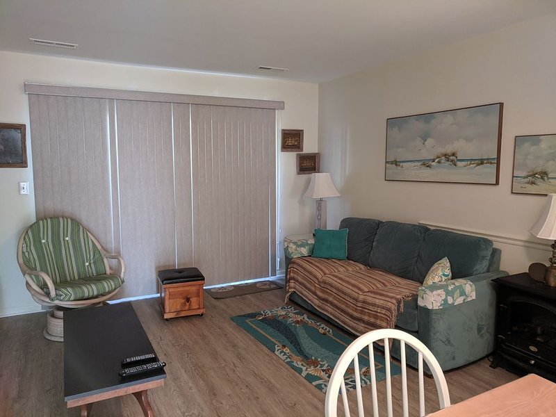 Oceanfront Townhouse Condominium, vacation rental in Atlantic Beach