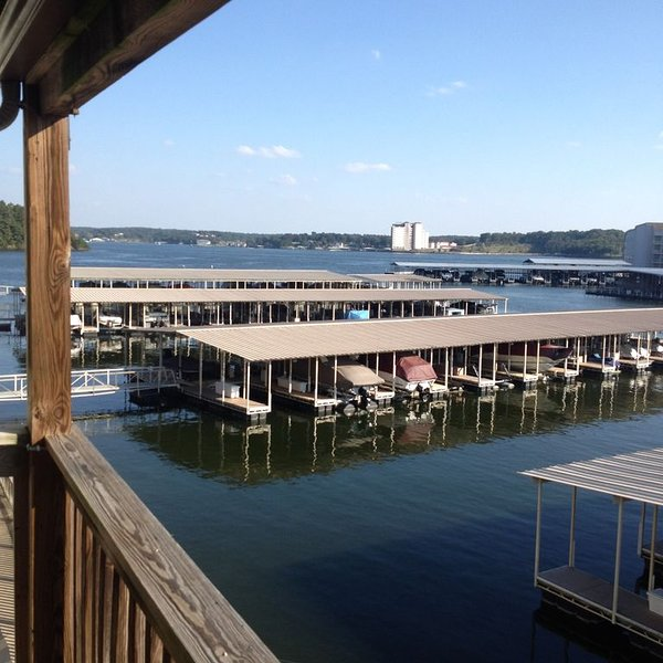 2 Bedroom 2 Bath Southwood Shores Lake Front-Great View-Easy Access-WiFi, holiday rental in Lake Ozark