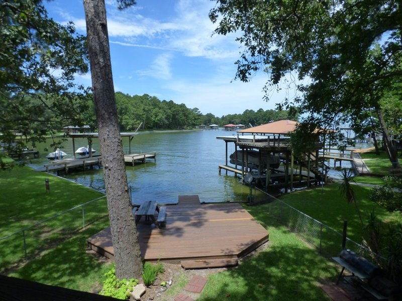 Cozy Waterfront House Nestled In A Peaceful Cove Great For Swimming And Fishing. – semesterbostad i Livingston