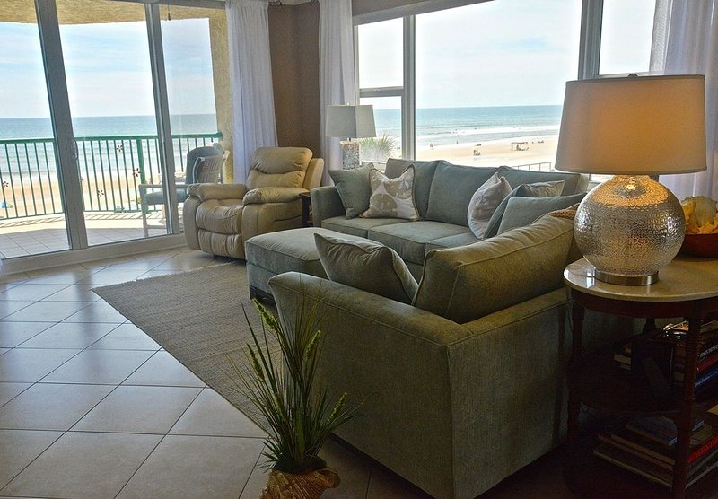 Oceanfront Elegance!, holiday rental in Daytona Beach Shores