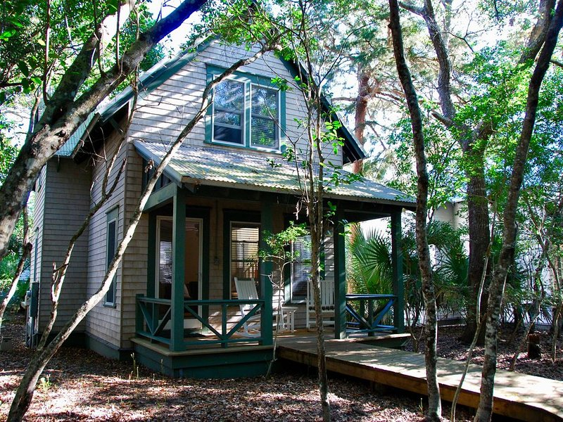 Beach Days/Forest Nights -  Stylish Cottage near East Beach, vacation rental in Southport