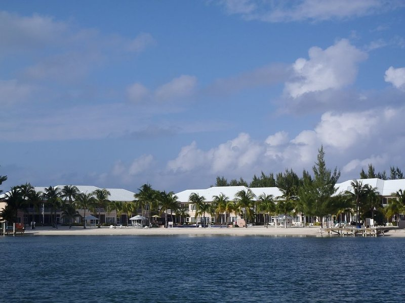 Grand Cayman Oceanfront Condo, Serenity Kai, Kaibo Yacht Club, holiday rental in Rum Point