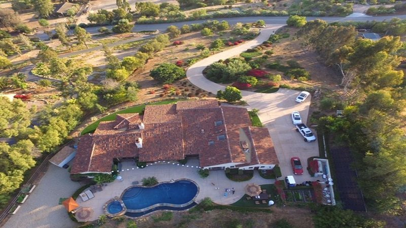 San Diego/Rancho Santa Fe ESTATE-Private Gated- Minutes To Beaches,Race Track – semesterbostad i Rancho Santa Fe