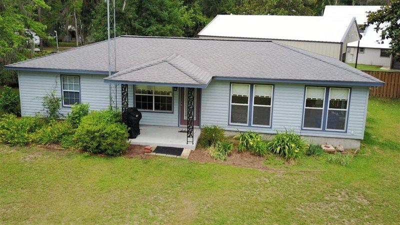 'Paradise Cove' Waterfront Lake House- Lake Seminole, GA, vacation rental in Donalsonville