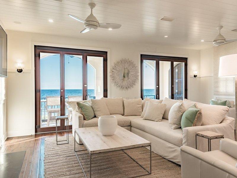 Beachfront in Rosemary Beach! Unforgettable Gulf Views! Luxury Interiors!, holiday rental in Rosemary Beach