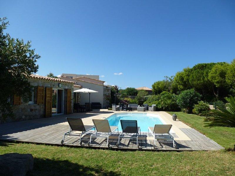 Marines de San't Ambroggio : Villa vue mer avec Piscine chauffée, vakantiewoning in Calvi