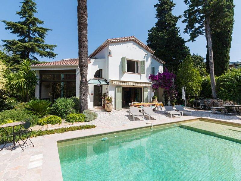Villa  Tsavorite, 4 chambres & 210 m2., vacation rental in Cannes
