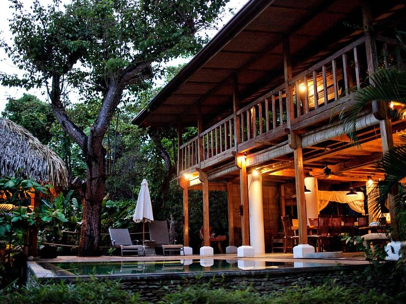The Jewel in the Crown, Beachfront Luxury, White Endless Sand, vacation rental in Santa Teresa