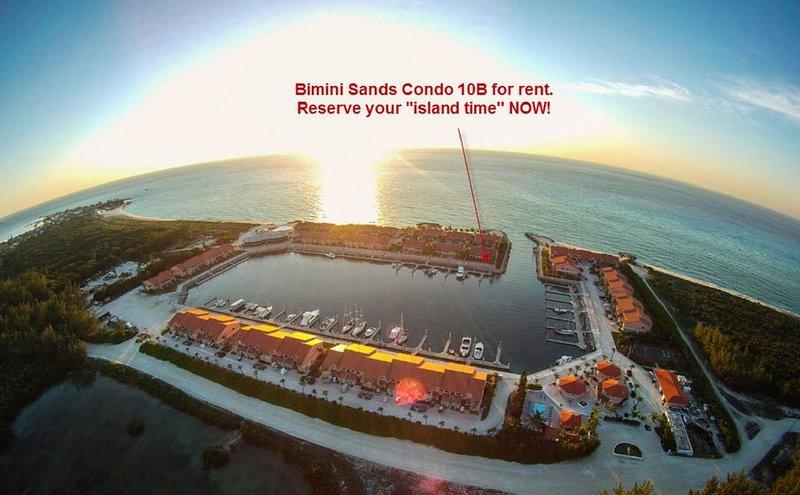 Luxury Condo on Marina, Just Steps Away from White Sandy Beach, holiday rental in Bimini