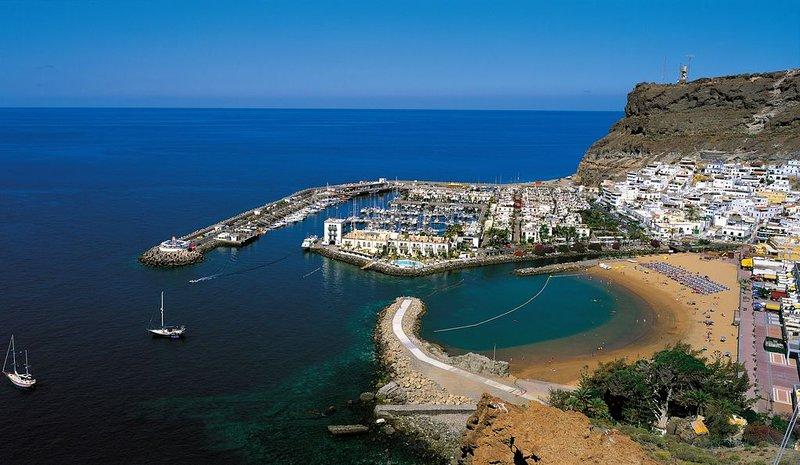Fabuloso apartamento de lujo a 50 metros de la playa de Mogan, vacation rental in Taurito