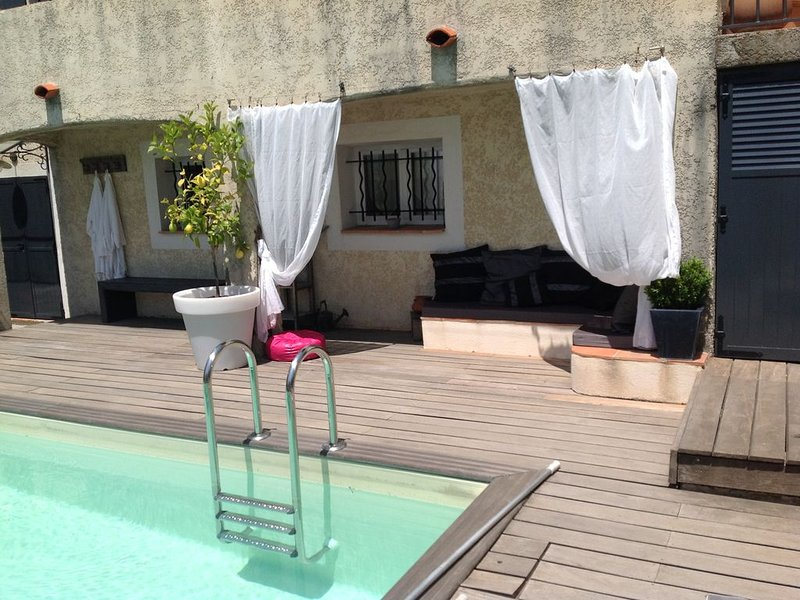 Appartement tout confort , jardin piscine, golfe de saint Tropez, holiday rental in Plan de la Tour