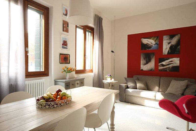 luminosissimo appartamento in casa tipica veneziana, aluguéis de temporada em Cannaregio