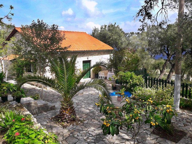Galaxy Cottage In Quiet Location, location de vacances à Rantatika