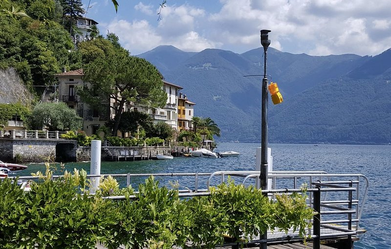 San Mamete - Lake Lugano, Apartment on the lake, casa vacanza a Albogasio-Oria