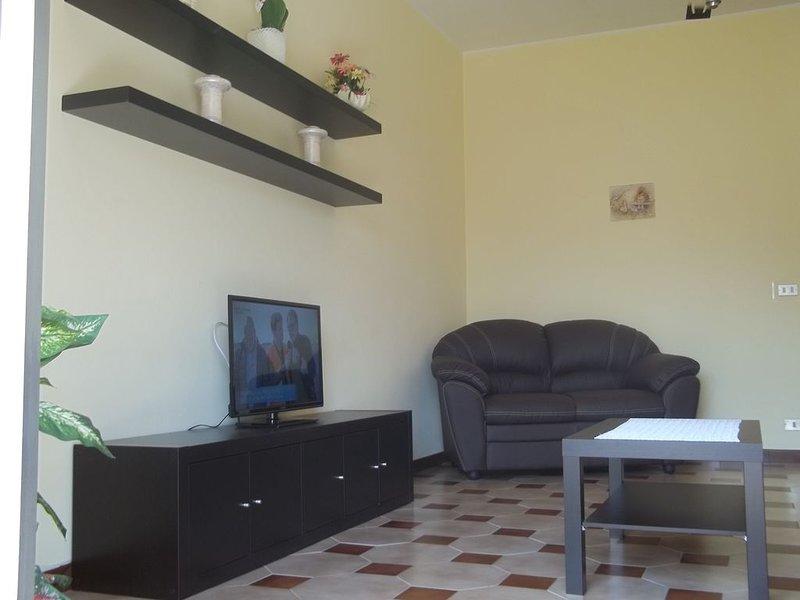 Appartamento a Spadafora (Me), vacation rental in Orto Liuzzo