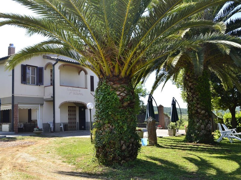 Casa-vacanze Valdamone, Trilocale Orchidea 2/6 persone, holiday rental in Suvereto
