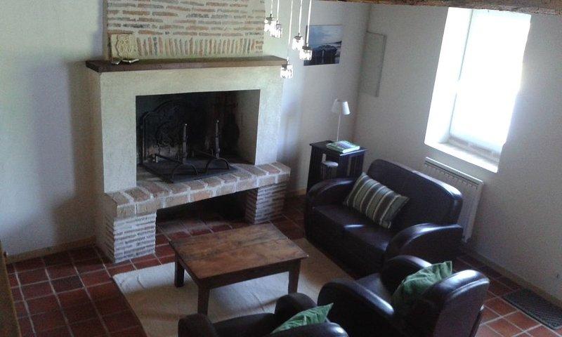 GITES DE SAINT SICAIRE, vacation rental in La Roche Chalais