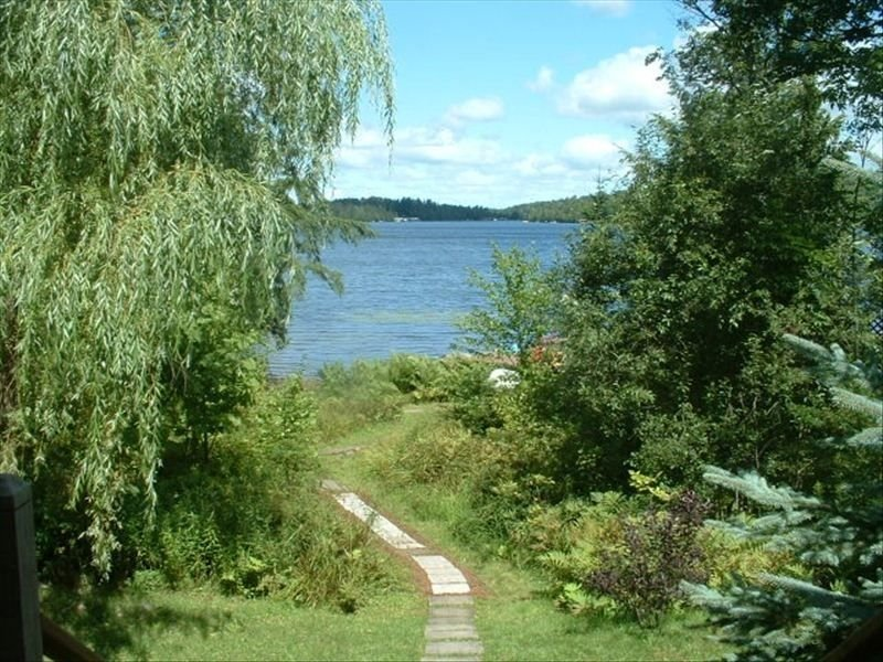 Beautiful updated Adirondack camp, holiday rental in Saint Regis Falls