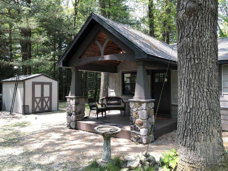 Devils Hole Lodge - Muskegon River, Newaygo, holiday rental in Fremont