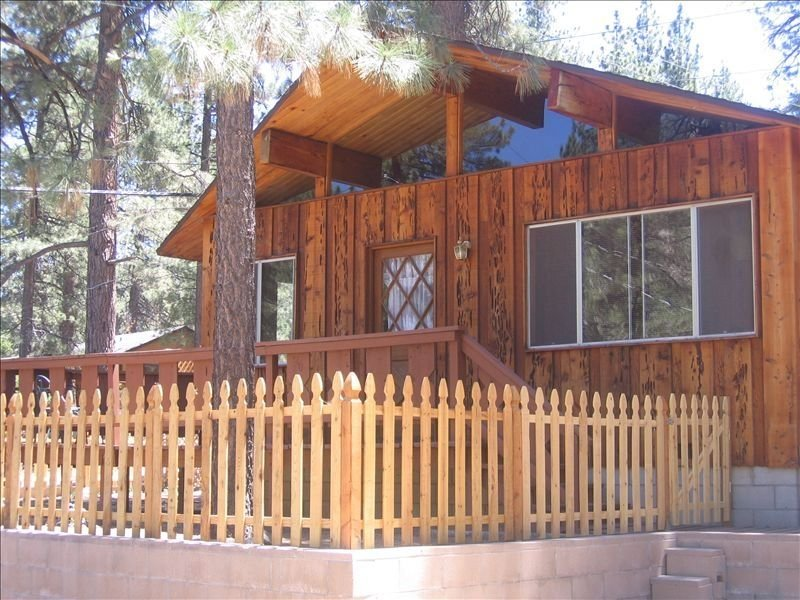 Rocky Mtn Hideaway - Vacation Memories in the Making, aluguéis de temporada em Wrightwood