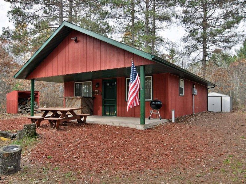 Valley Red Cabin – Barnes, Wisconsin, alquiler de vacaciones en Barnes