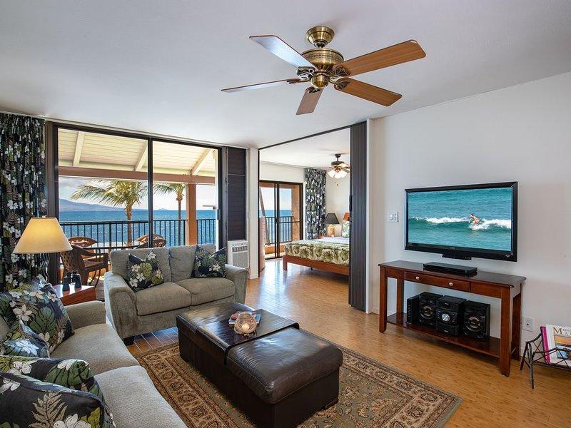 Lauloa 410 Living Room