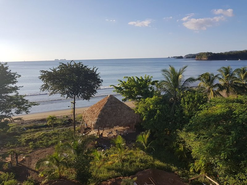 Luxury beachfront 3 bed Spacious  Villa for up to 8, casa vacanza a Playa Potrero