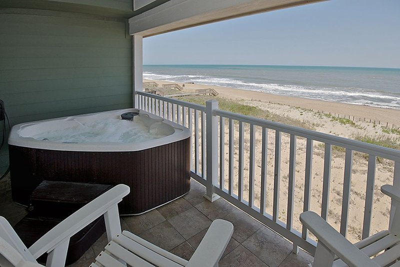Top Floor, Private hot tub, Endless Ocean Views, Pool * First Flight Retreat (FF, holiday rental in Kill Devil Hills