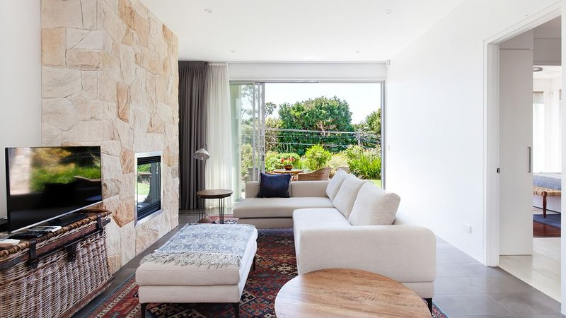 Manly Blue Retreat Apartment, holiday rental in Fairlight
