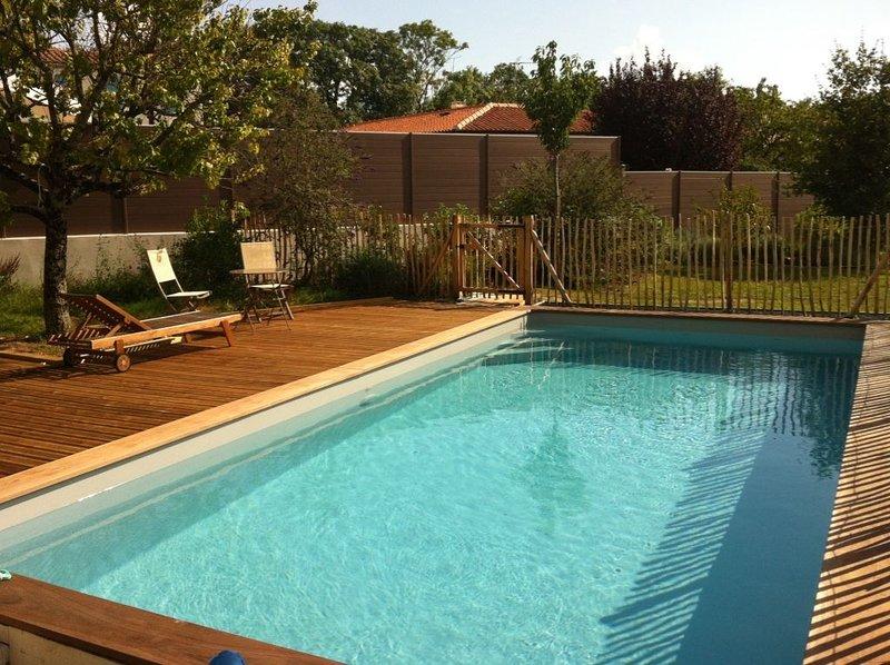 Villa 6-8 pers avec piscine chauffée à 5mn de La Rochelle, alquiler vacacional en La Jarne