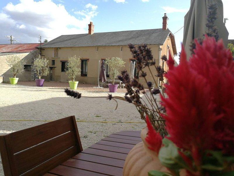 Domaine de Chenou - Calme & Nature - Piscine et SPA, holiday rental in Larchant