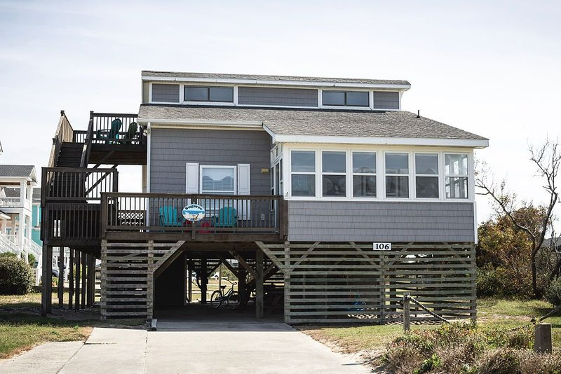 Charming OCEANSIDE Cottage Steps from the Beach in South Nags Head, alquiler de vacaciones en Nags Head