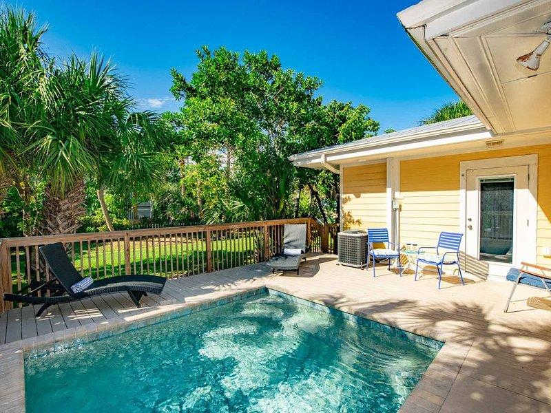 Sweet Melissa's Beach House, 3 bedrooms, Great Location close to beach! Pool!, alquiler vacacional en Anna Maria Island