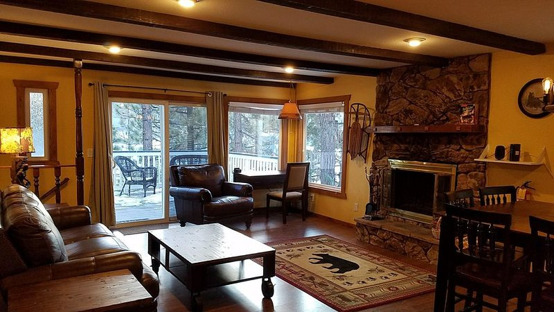 Visit Eagle's Haven: Lake View - Walk to Park & Lake - Family & Dog Friendly, location de vacances à Big Bear Lake