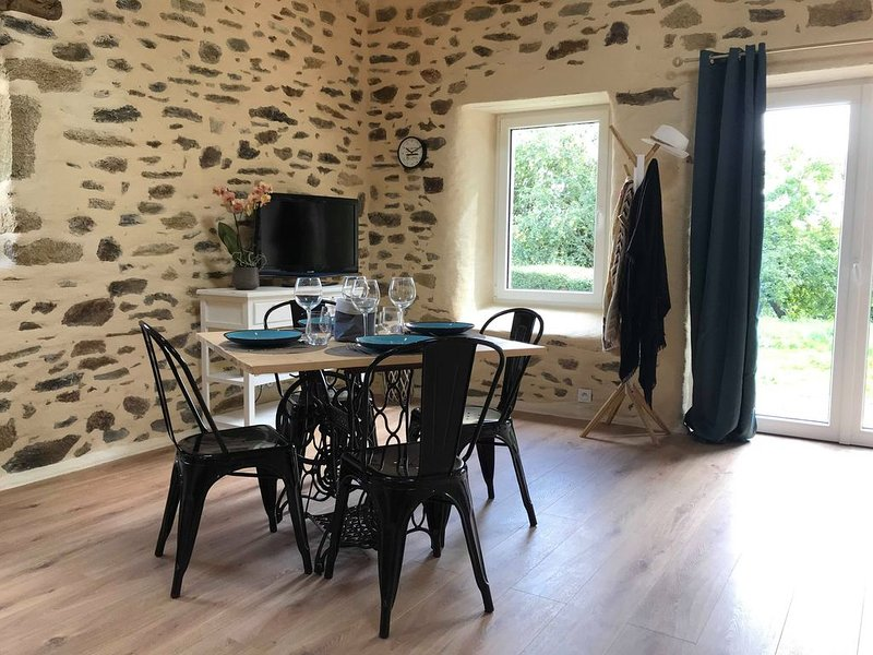 Dépendance de charme Ô �'� �î��, holiday rental in Ploneour Lanvern