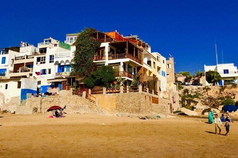 Superbe Maison accès direct plage 120m2 ! LB, Ferienwohnung in Imi Ouaddar