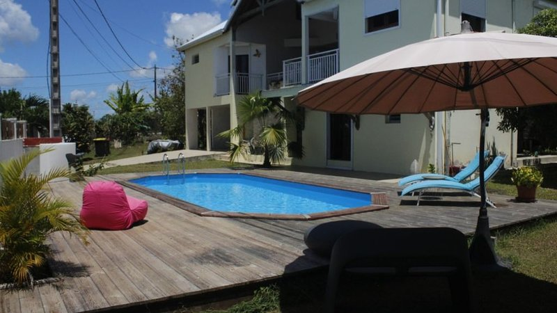 Beautiful studio with shared pool, alquiler de vacaciones en Lamentin