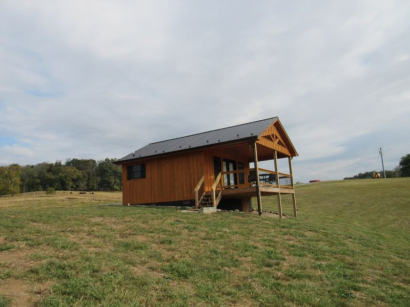 NEW LISTING Ruth's Retreat on South Holston River, vacation rental in Bristol