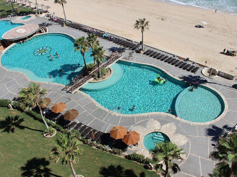 Sonoran Sun W-806 Chasing The Sun 2 BR Oceanfront Condo, holiday rental in La Choya